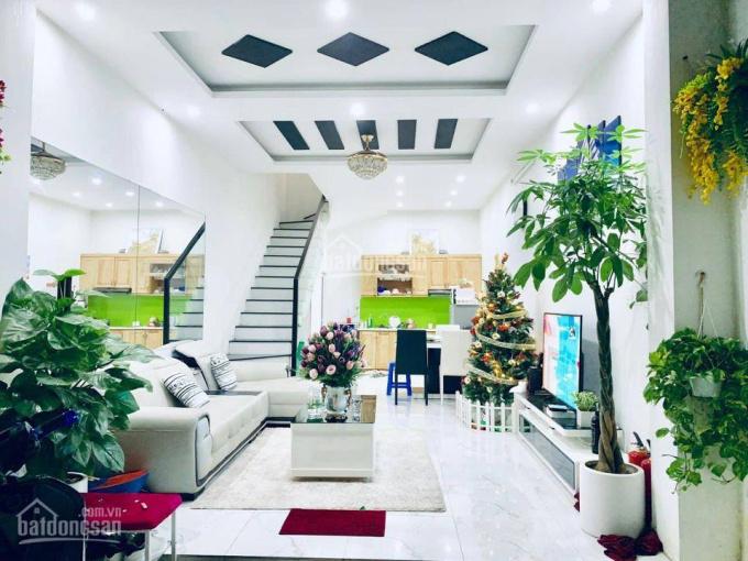 Bán nhà Kênh Tân Hoá, Tân Phú, 40m2 hẻm ô tô sát nhà nhỉnh 4 tỷ. LH 0399617998 ảnh 0