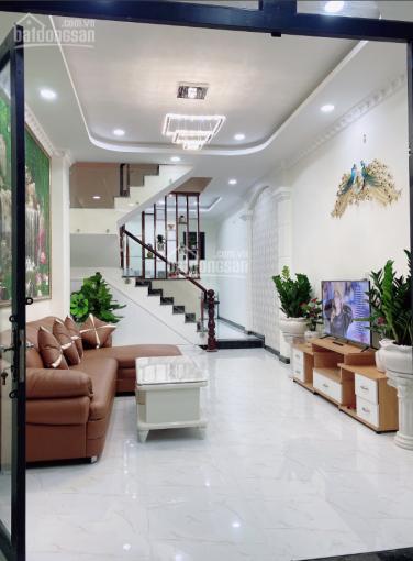 Nhà 1 trệt, 1 lầu mặt tiền đường Đoàn Nguyễn Tuấn, CC bán gấp 2.6 tỷ (có TL). Lh 093.123.1391 ảnh 0