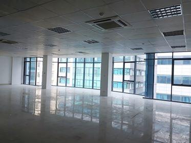 Cho thuê văn phòng diện tích 200m2 giá 32 tr/th miễn phí dịch vụ, gửi xe khu ĐTM Dịch Vọng Cầu Giấy ảnh 0