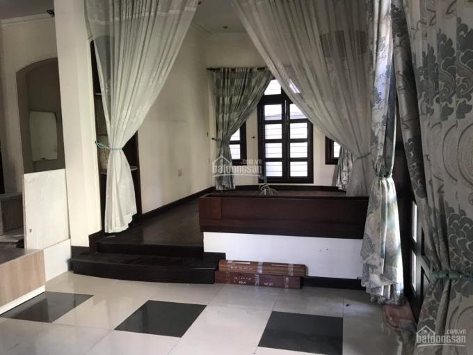 Cho thuê biệt thự P. 7 Tân Bình 20x21m nhà sạch sẽ, sân vườn rộng, gara xe hơi giá thuê 55 triệu ảnh 0