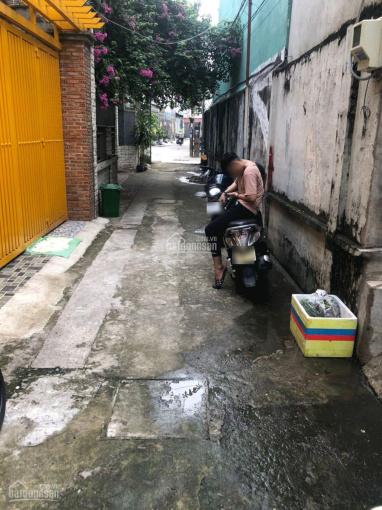 Nhà cũ 69m2 ngang 4,55m - hẻm thông cách đường 20 mét, gần chợ Tân Hưng, QL1A, Nguyễn Văn Quá ảnh 0