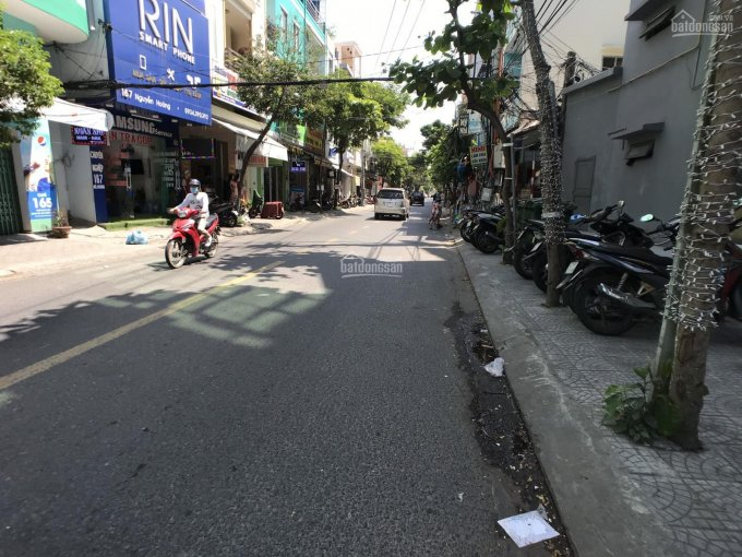 Bán nhà 3 tầng mặt tiền đường Nguyễn Hoàng, Hải Châu - giá 7,5 tỷ ảnh 0