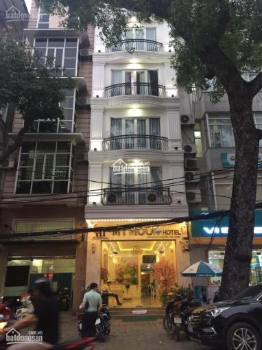 Cho thuê nhà MP Hòa Mã, DT 120m2 x 4 tầng + hầm, MT 4m nở hậu, thang máy, điều hòa. giá rẻ ảnh 0