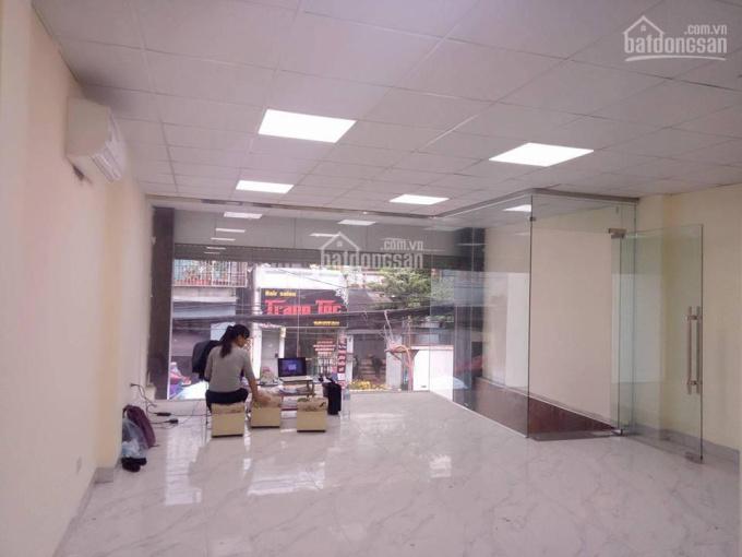 Cần sang nhượng lại MBKD, cửa hàng tầng 1 vuông 46m2, MT 5,5m tại ngã tư Nguyễn Khánh Toàn ảnh 0