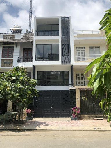 Bán nhà 3 tầng đường D18, P. Phước Long B, Quận 9. DT: 5*18m=90m2 vuông vức, giá: 7.95 tỷ ảnh 0