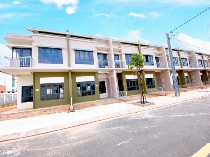 Biệt thự Oasis City giá chỉ 1tỷ540 đối diện đại học Việt Đức, KCN Mỹ Phước, Bến Cát, Bình Dương ảnh 0