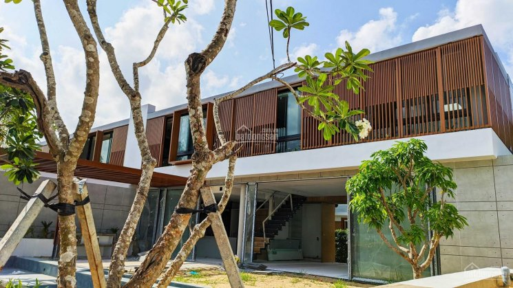 Chuyển nhượng căn biệt thự Sailing Club Phú Quốc, giá 15,9 tỷ, full nội thất 5 sao, sắp bàn giao ảnh 0