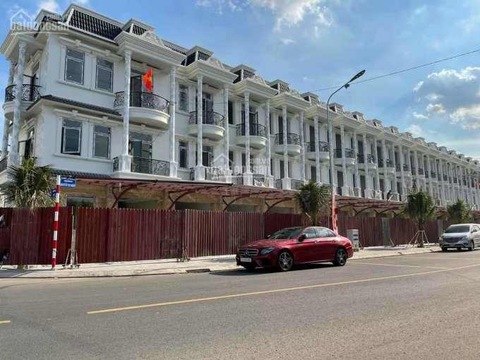 Royal Town - chỉ 1,5 tỷ sở hữu ngay nhà phố trung tâm thành phố Dĩ An, Bình Dương, LH 0934682959 ảnh 0