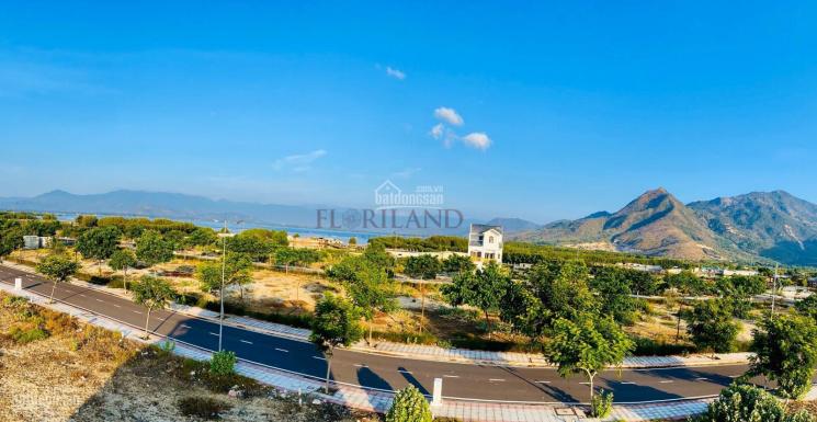 Bán căn biệt thự view công viên chính diện, đướng lớn 20m, gần hồ tại Golden Bay Bãi Dài Cam Ranh ảnh 0