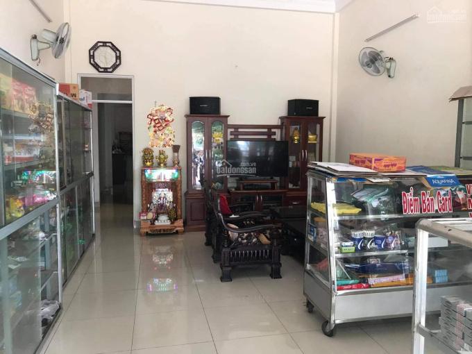 Cần bán gấp nhà mặt tiền đường Hùng Vương, Phường Diên Hồng, 1 trệt 1 lầu, ngang 5m. Vuông vức ảnh 0