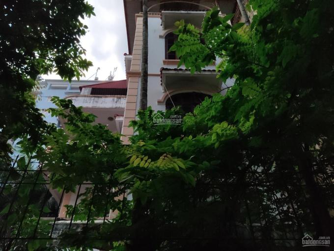 Bán nhà biệt thự phố Hoàng Cầu dt 200 m2 x 4T mt 11m, giá 135 triệu/m2 ảnh 0