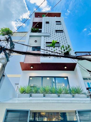 Nhà phố hiện đại và đầy đủ tiện ích. Nhà xây mới và tặng toàn bộ nội thất cho khách ảnh 0