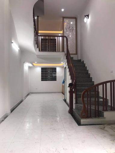 Sát KĐT Linh Đàm, Hoàng Mai, gần chợ trường, 37 m2 5 tầng giá 3.25 tỷ, ô tô lùi cửa, nhà mới tinh ảnh 0