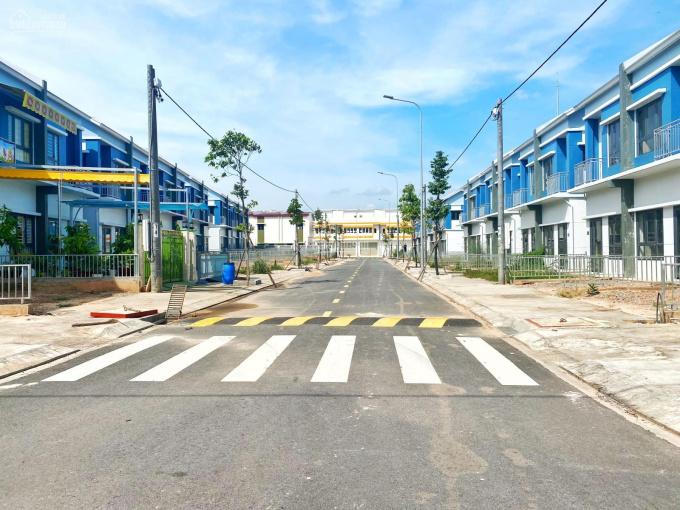 Biệt thự Oasis City đối diện đại học Việt Đức, KCN Mỹ Phước, Bến Cát, Bình Dương. ảnh 0