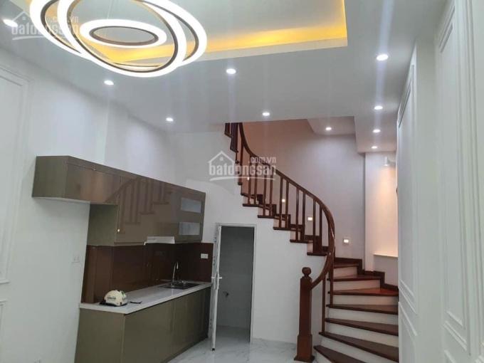 Bán nhà 5 tầng 45m2 ngay trung tâm thương mại huyện Thanh Trì LH 0977.048.296 ảnh 0