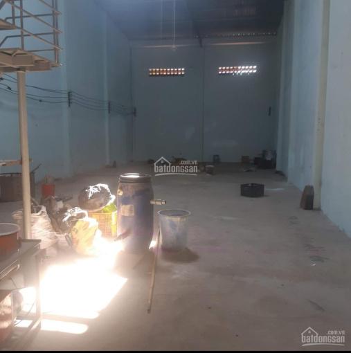Kho, xưởng 300m2 cho thuê chỉ 19tr/th, đường Lê Trọng Tấn ảnh 0
