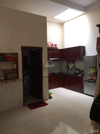 Cần bán gấp nhà mặt tiền đường Hùng Vương, 1 trệt 1 lầu, ngang 5m, vuông vức. Thương lượng mạnh ảnh 0