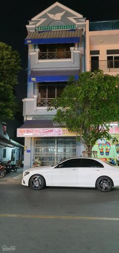 Cho thuê nhà mặt tiền đường Tân Sơn Nhì, DT 5x18m, nhà đẹp khu dân cư đông ảnh 0