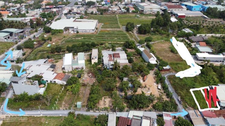 Bán đất giá rẻ cách ngã tư Quốc Lộ 1A, Đoàn Nguyễn Tuấn khoảng 250m, diện tích 129m2 ảnh 0