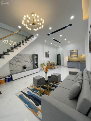 Bán nhà mới xây trệt lầu Phú Thọ TDM kế bên Huynhdai đường nhựa 6m 3PN, đầy đủ nội thất, 4,5x16,5m ảnh 0