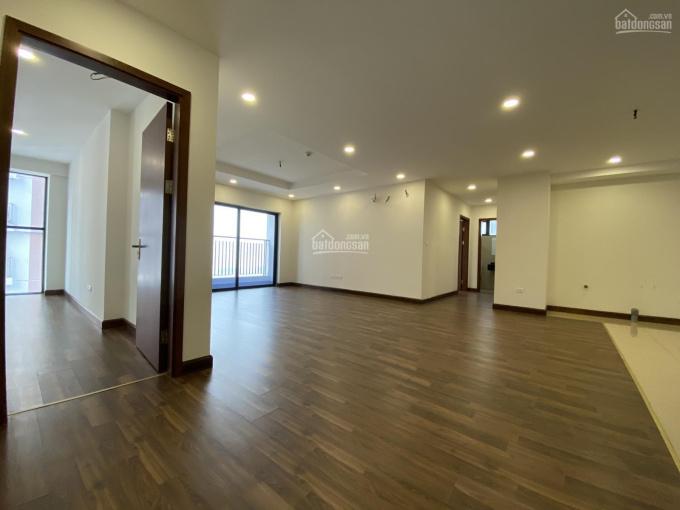 Bán cắt lỗ căn hộ 135m2 giá 3,8 tỷ bao sang tên đã có sổ căn góc hướng cửa Đông Nam Goldmark City ảnh 0