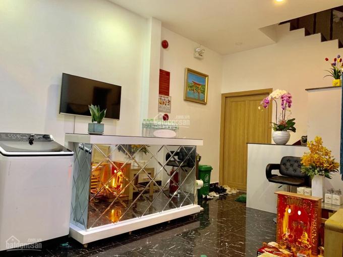 Cho thuê căn hộ dịch vụ hẻm Lê Thánh Tôn, quận 1, 11 phòng, 6 tấm, DT 4,3x11m, giá ưu đãi 57tr/th ảnh 0