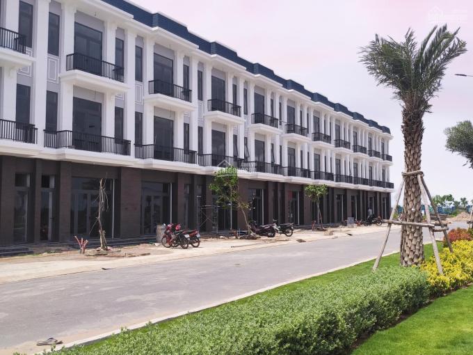 Nhà phố Tân cổ điển thời thượng, 1 trệt 2 lầu, sân thượng, 139m2. Trả trước 600 triệu sở hữu ảnh 0