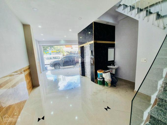 Cần bán nhà mặt tiền Hùng Vương, P9, Q5. DT 4x17m, 3 lầu, giá 22.5 tỷ ảnh 0