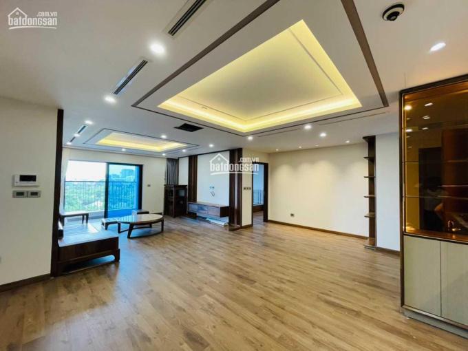 Tầng 8 căn góc 139m2 3PN + 1 BC Đông Nam giá 4.23 tỷ (bao phí) CC gần Mỹ Đình Diamond Goldmark City ảnh 0