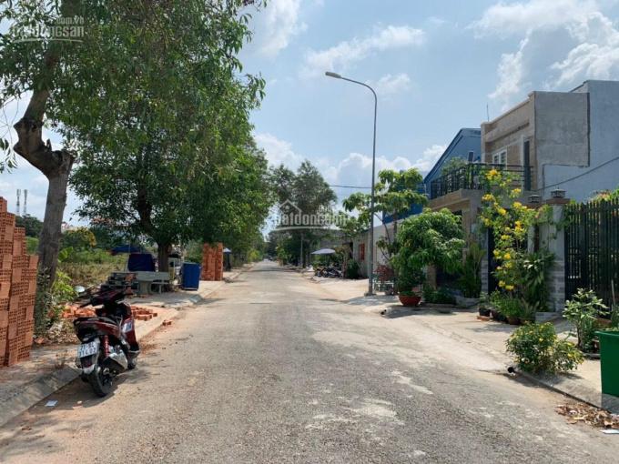 Cần bán gấp 2 lô đất liền nhau mặt tiền đường 12m ở KDC Long Thới, Nguyễn Văn Tạo, Nhà Bè