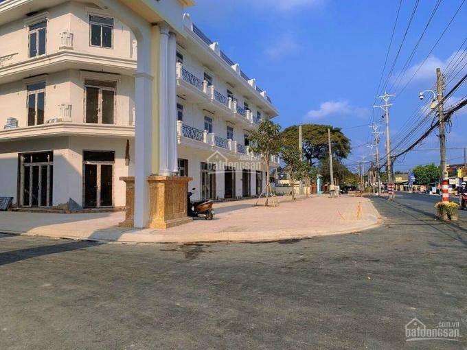 Nhà phố cao cấp 1 trệt 2 lầu ngay trung tâm TP Bến Tre, DT: 162m2, thanh toán 720tr nhận nhà ảnh 0