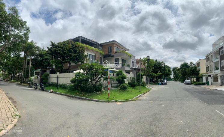 Bán gấp căn biệt thự song lập Nam Thông Phú Mỹ Hưng, đường thông, DT 11x 18m giá 33 tỷ ảnh 0