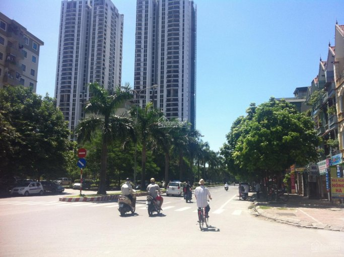Bán liền kề TT9 ngay đầu đường Nguyễn Khuyến, mặt chợ, tiện KD, 105m2 x 4,5T, 15 tỷ TL 0903491385 ảnh 0
