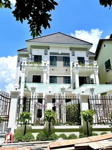 Bán biệt thự song lập 473m2 liền kề Phú Mỹ Hưng Quận 7, đường NVL, nhà mới giao đẹp. LH: 0902345990 ảnh 0