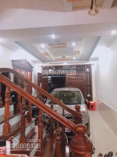 Bán nhà 5 tầng đường Văn Cao - ô tô vào tận nhà, giá 3.95 tỷ