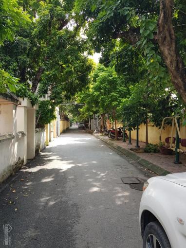 Bán chung cư cũ, tầng 1 + 2, gần bệnh viện E, trường học và công viên Nghĩa Tân, Cầu Giấy, Hà Nội