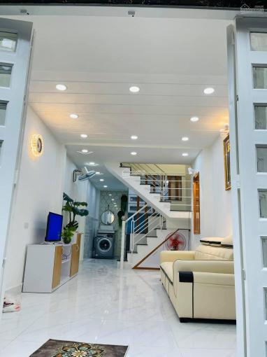 Nhà 2 lầu, 3 phòng ngủ đẹp. Đường Số 2, P16, Gò Vấp ảnh 0