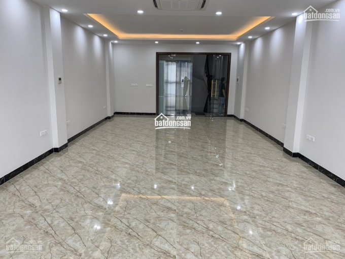 Cho thuê nhà tại phố Trương Định; diện tích: 70m2x4T; MT 4m; giá thuê 40tr/th; có thang máy; rb ảnh 0