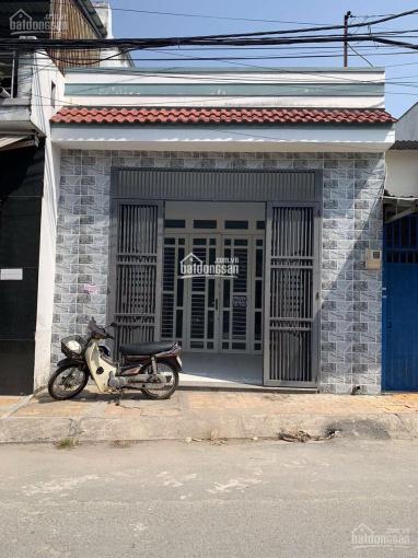Cần bán nhà cấp 4 cách chợ Bình Chánh 50m, 5.5x25m, sổ hồng, đường 10m, sổ riêng ảnh 0