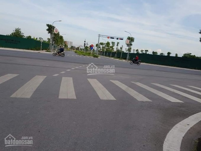 Chỉ hơn 120tr/m2, bán nhà mặt phố Việt Hưng, 340m2, MT 12m, vỉa hè kinh doanh sầm uất ảnh 0