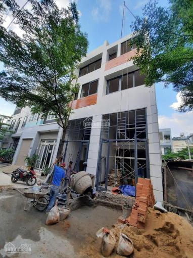 Bán căn nhà gần đường Hà Huy Giáp, Q12 giá 2,69 tỷ trệt lửng 3 lầu, 4 phòng ngủ ảnh 0