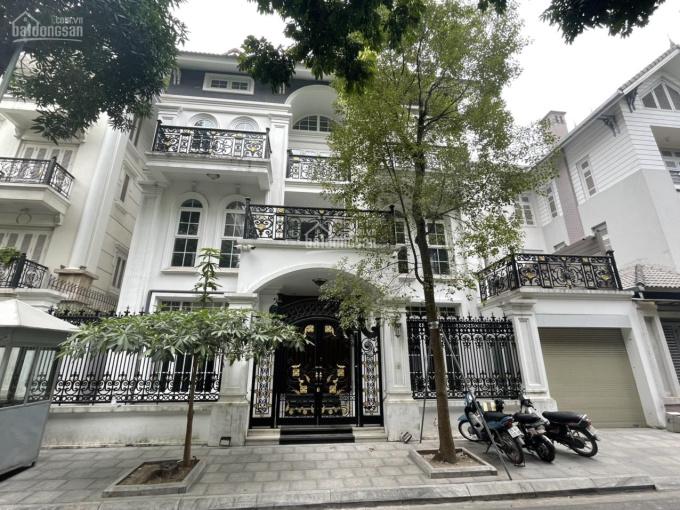 CC cho thuê BT tại KĐT Trung Hòa Nhân Chính, DT 230m2, XD 120m2 * 5 tầng, MT 12m, nhà đẹp. Giá 65tr ảnh 0