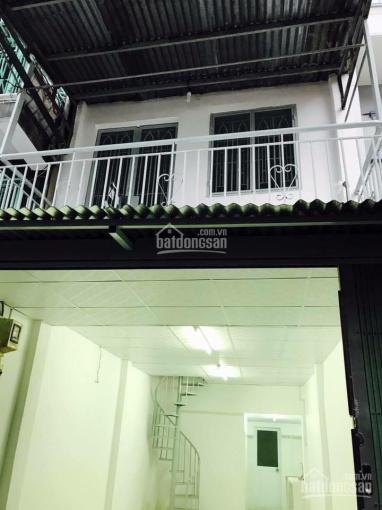 Cho thuê nhà mặt tiền ngay cầu Tân Thuận, Quận 7 giá 6tr/tháng / 1 trệt / 1 lầu nhà ở ngay ảnh 0