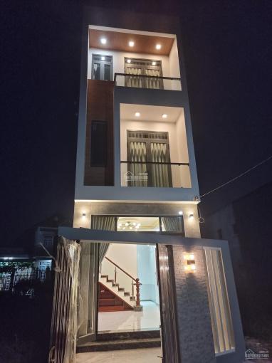 Nhà 1 trệt 2 lầu hẻm 108/11 Trần Quang Diệu hoàn công có 03 PN ảnh 0