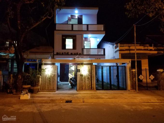 Bán nhà mặt đường Nguyễn Văn Cừ 202m2, 3 tầng giá đầu tư ảnh 0
