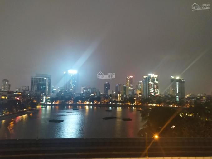Mặt bằng làm cà phê, nhà hàng tầng thượng mặt phố Hoàng Cầu 230m2, 40tr, 0912888***