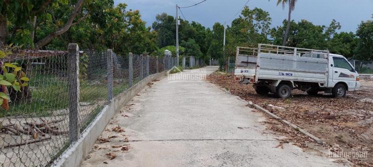 Cần bán lô đất đẹp ở Cam Hải Tây - Cam Lâm phù hợp phân lô, giá đầu tư 1,9 tr/m2. LH: 0975057***
