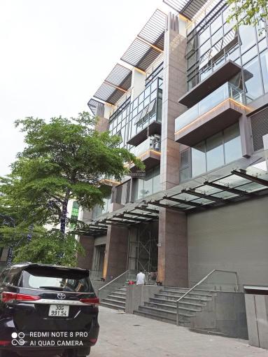 Chính chủ bán nhà mặt phố Hào Nam 68m2, căn góc 2MT 3 mặt thoáng, SĐCC, giá 22 tỷ. LH 0936586758 ảnh 0