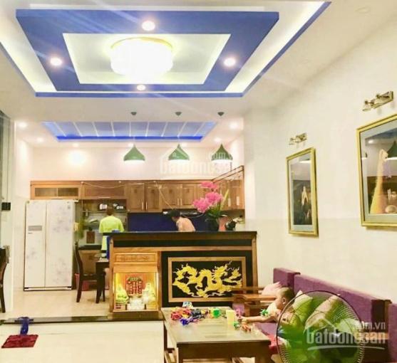 Cho thuê khách sạn Vĩnh Hòa Nha Trang gần bến du thuyền 10tr/tháng. LH: 0938655***