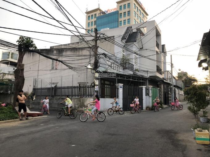 Ngộp bank bán căn góc 2MT ngay ngã 4 Thủ Đức, gần Lê Văn Việt 4,8 tỷ, 56m2, đường xe hơi 10m ảnh 0